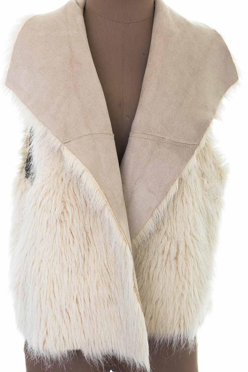 Chaqueta / Abrigo color Beige - Closeando