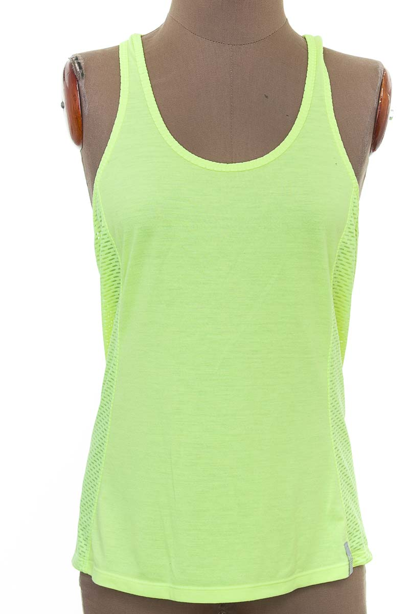 Ropa Deportiva / Salida de Baño Camiseta color Verde - Under Amour