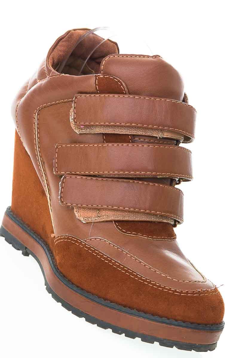 Zapatos Botín color Café - Studio F