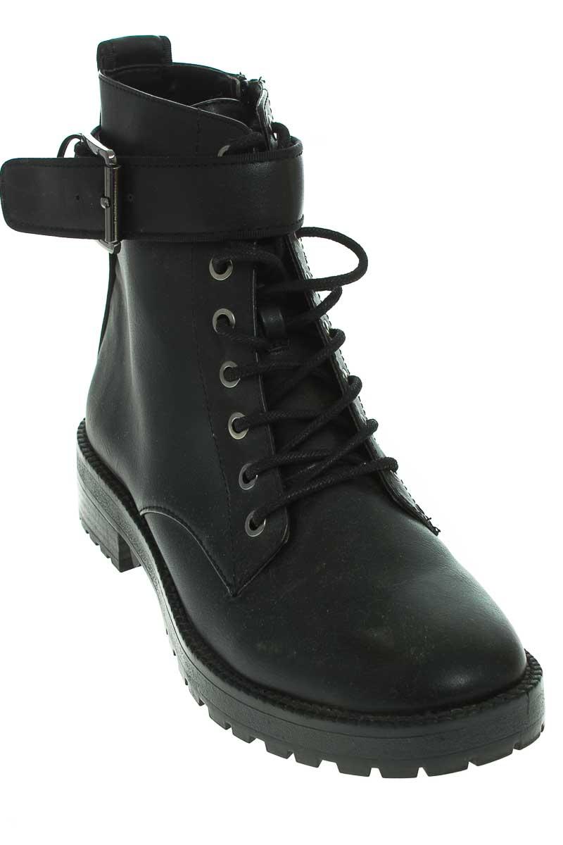 Zapatos Botín color Morado - Bershka
