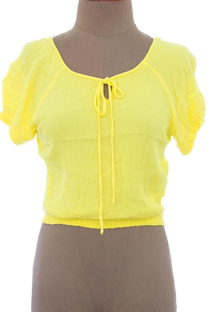 Top / Camiseta color Amarillo - ELA