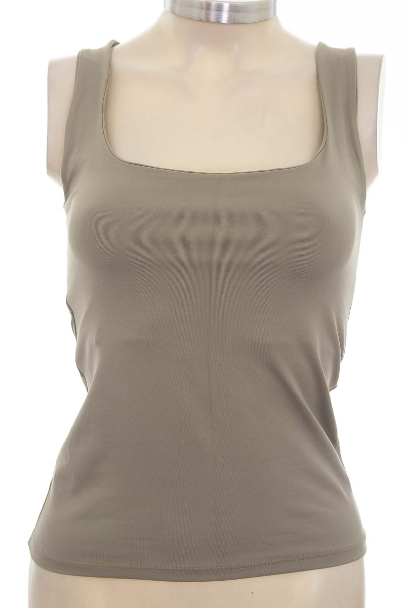 Top / Camiseta color Verde - Zara