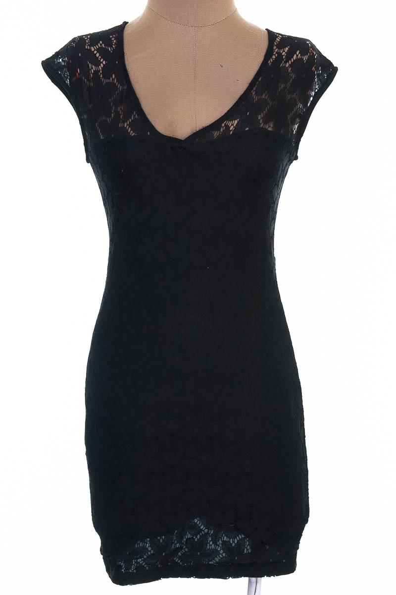 Vestido / Enterizo Casual color Negro - Big John