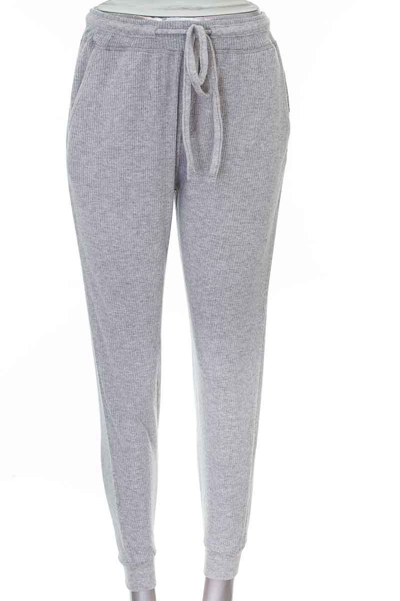 Pantalón color Gris - Winter Essentials