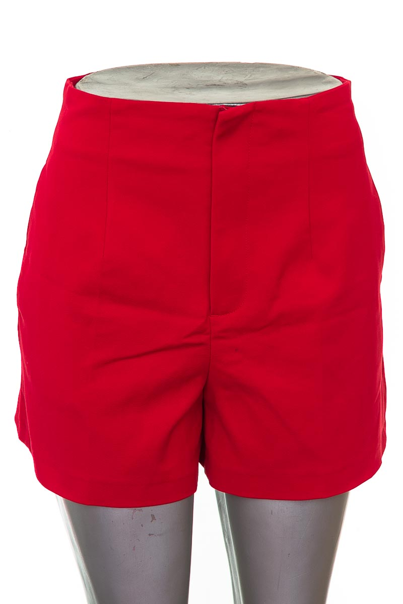 Short Casual color Rojo - Zara