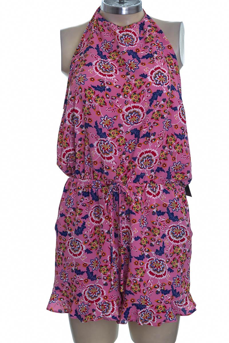 Vestido / Enterizo color Rosado - Lulus