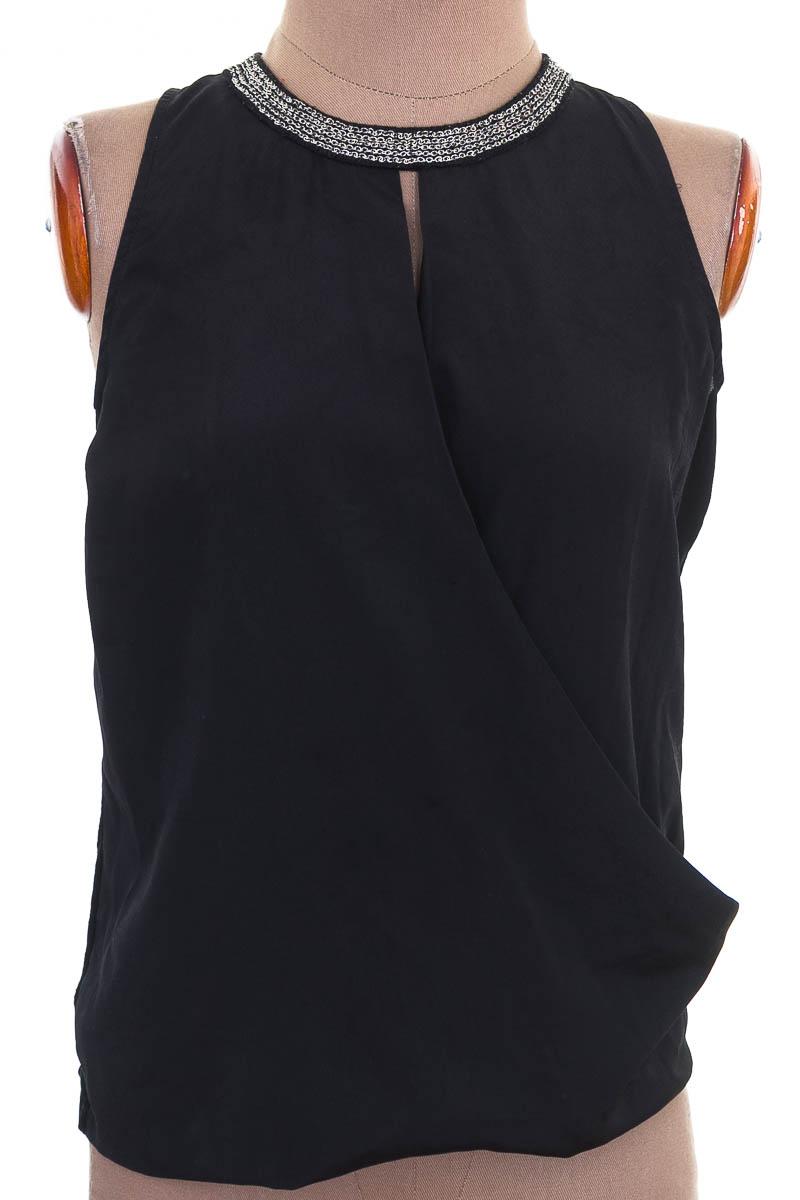 Top / Camiseta color Negro - NAF NAF