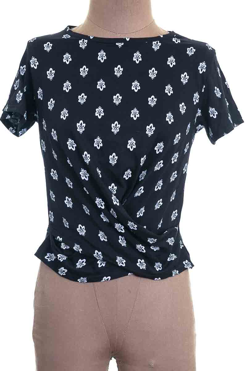 Top / Camiseta color Negro - Pacífika