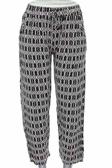 Pantalón color Negro - Cyn