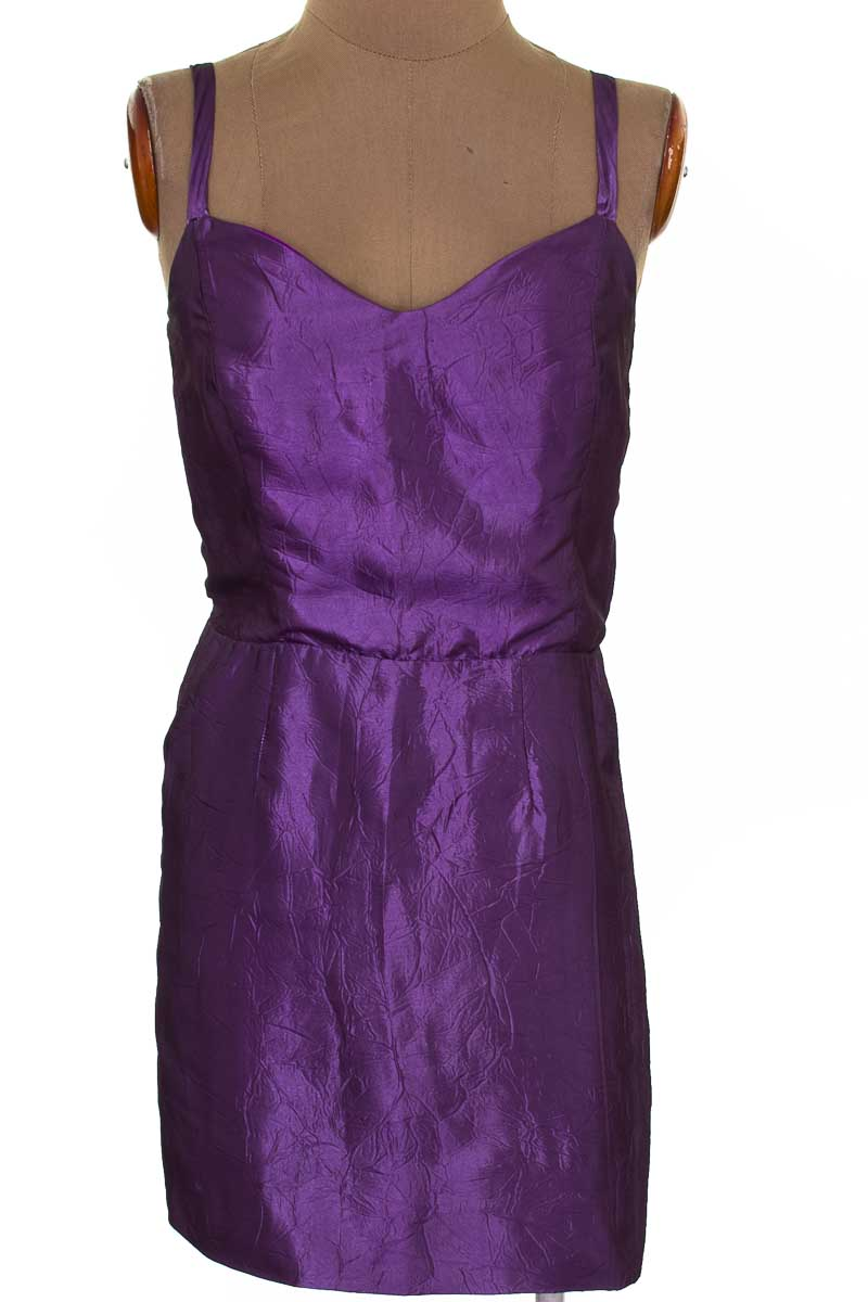 Vestido / Enterizo Casual color Morado - Closeando