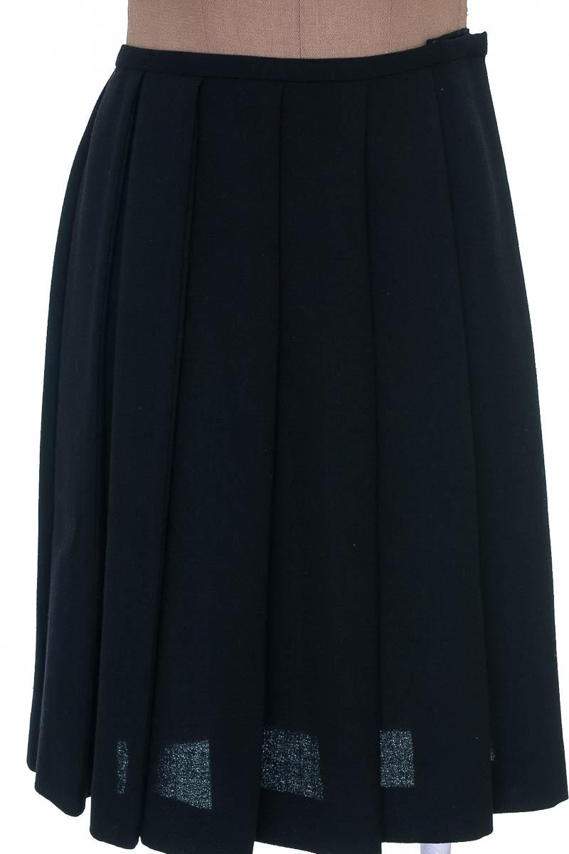 Falda Casual color Negro - Amelia Toro