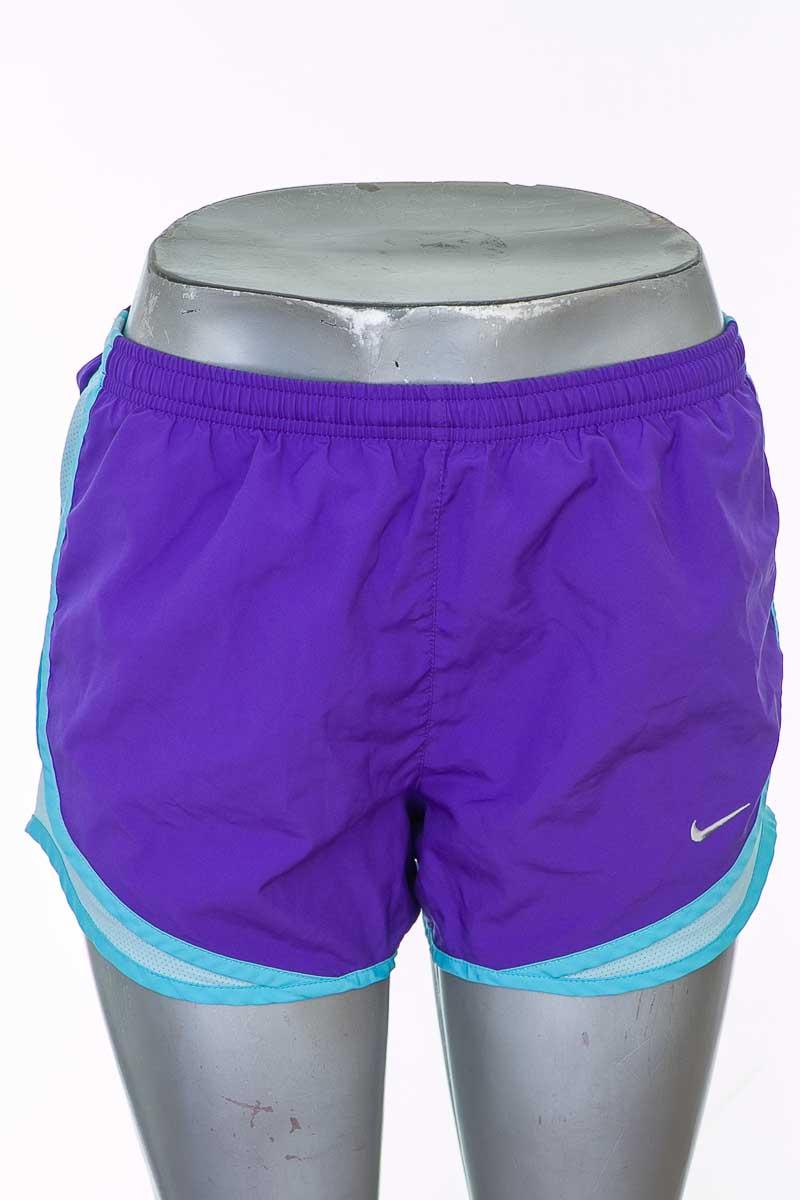 Ropa Deportiva / Salida de Baño Short Deportivo color Morado - Nike