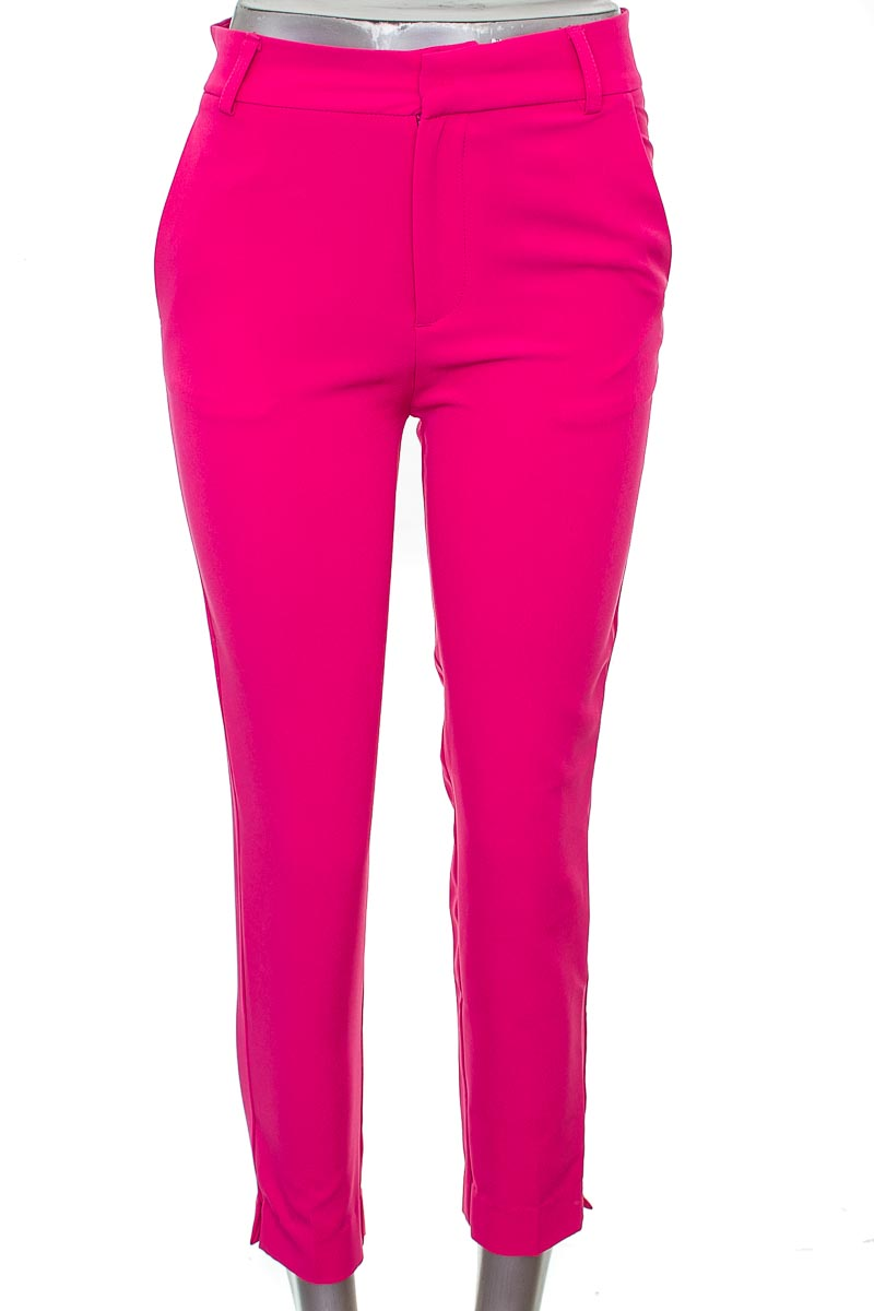 Pantalón Casual color Rosado - Stradivarius
