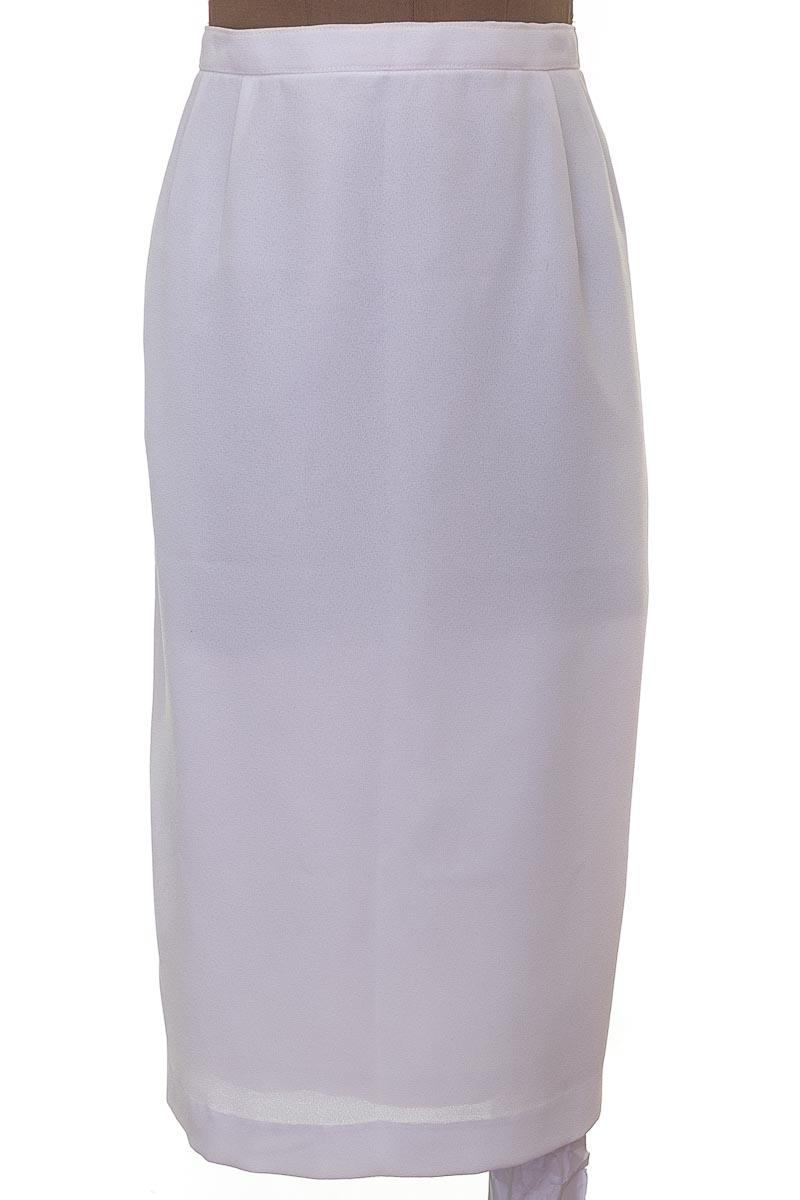 Falda Elegante color Blanco - Closeando