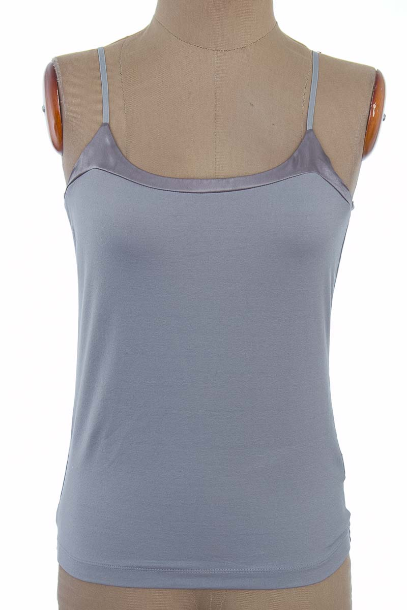Top / Camiseta color Gris - Banana Republic