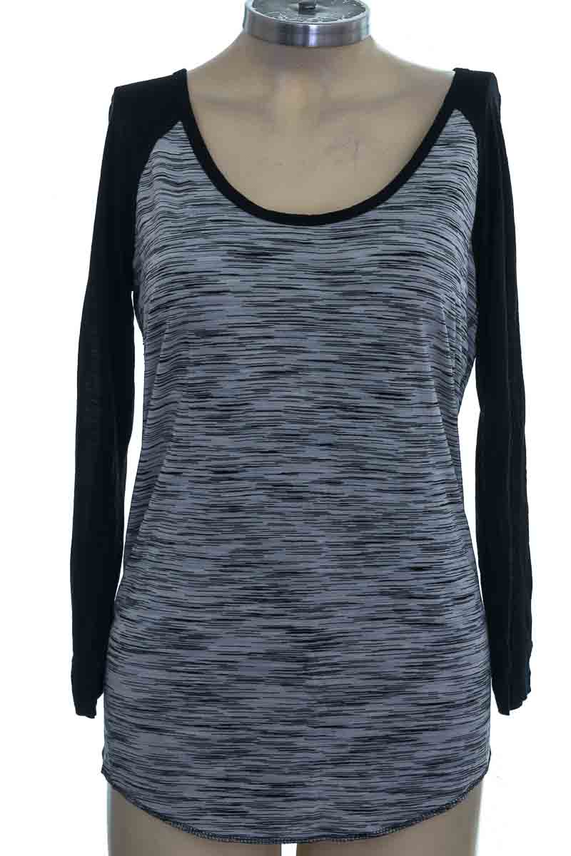 Top / Camiseta color Negro - Wilfred