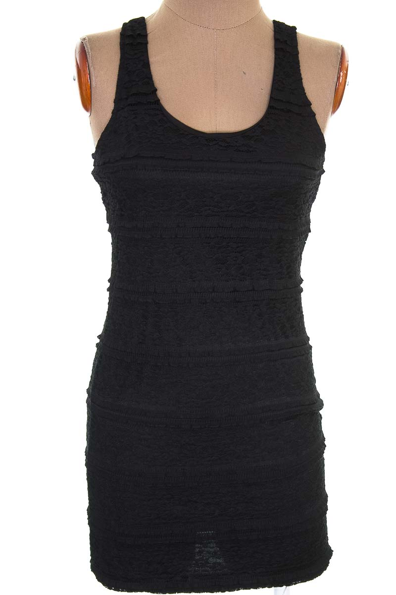 Vestido / Enterizo Casual color Negro - Forever 21