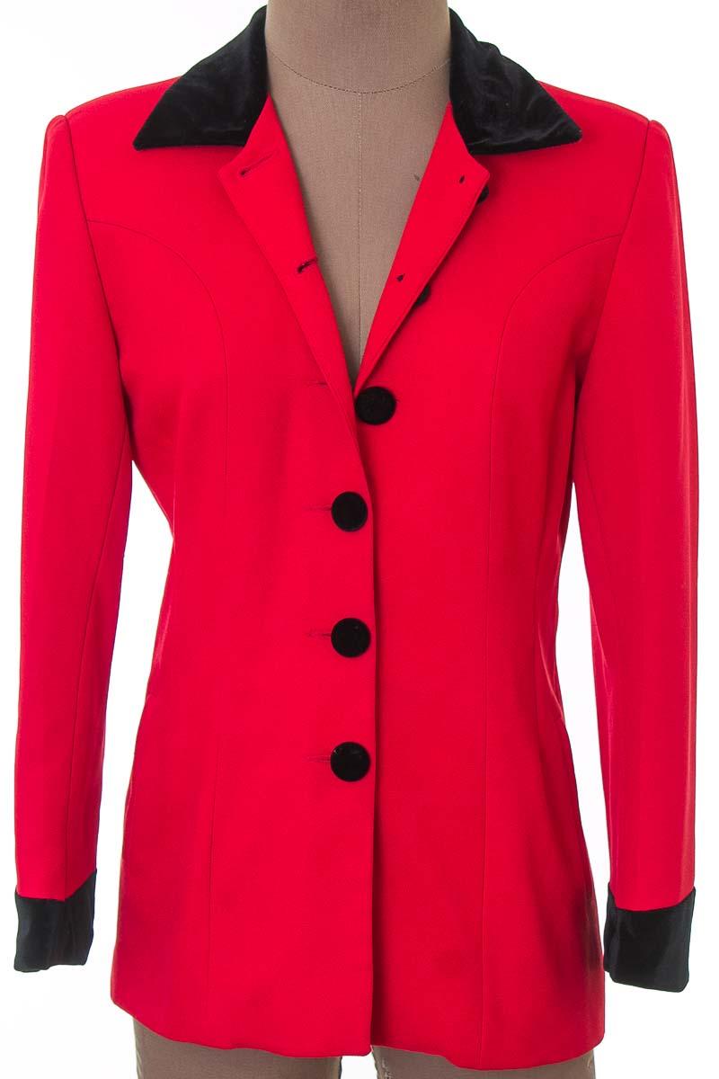Chaqueta / Abrigo color Rojo - Zaty