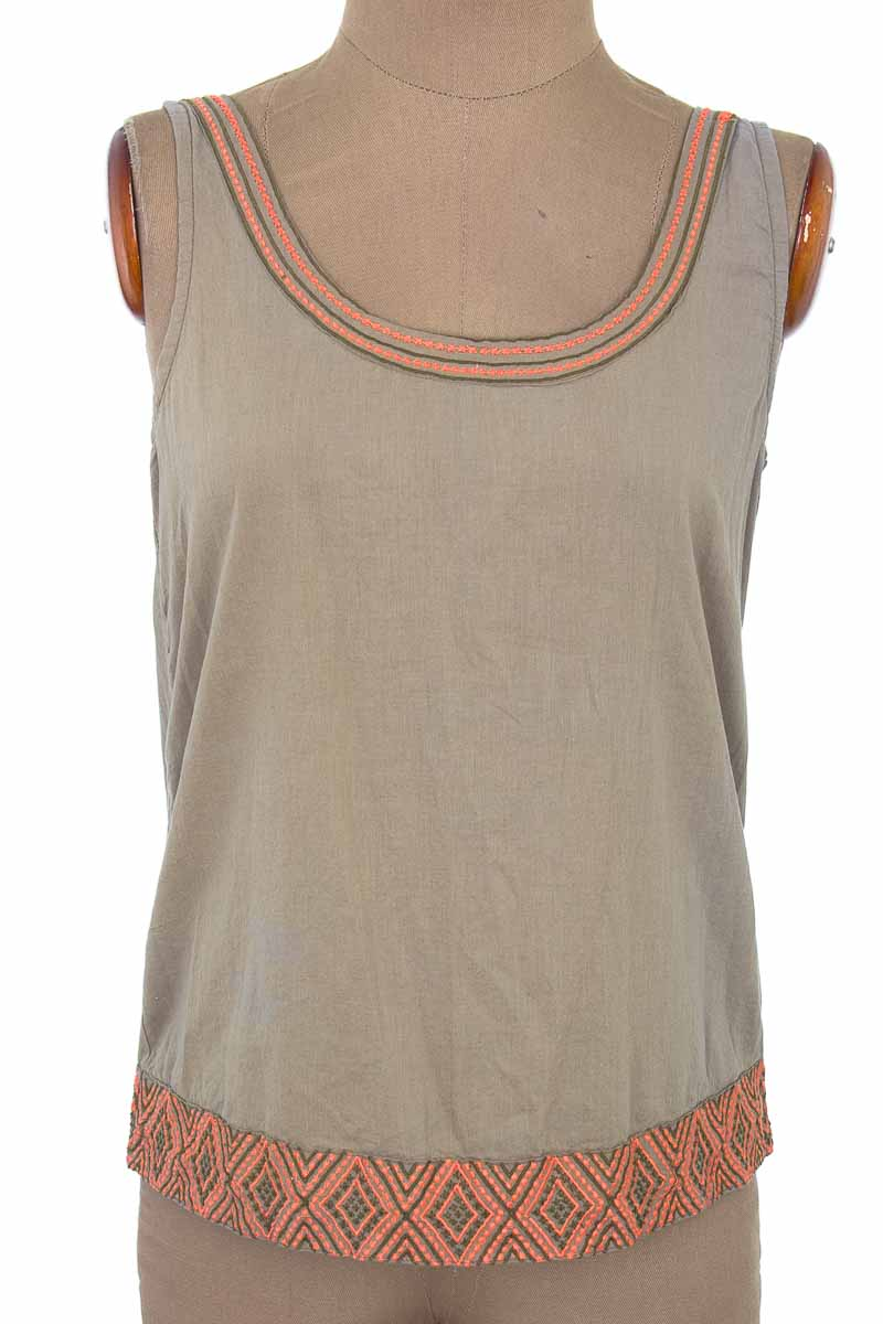 Top / Camiseta color Gris - Natura