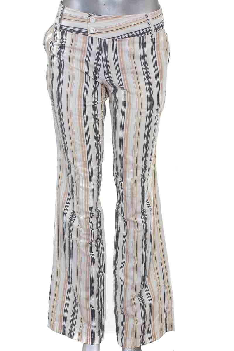 Pantalón Casual color Beige - SALOMON