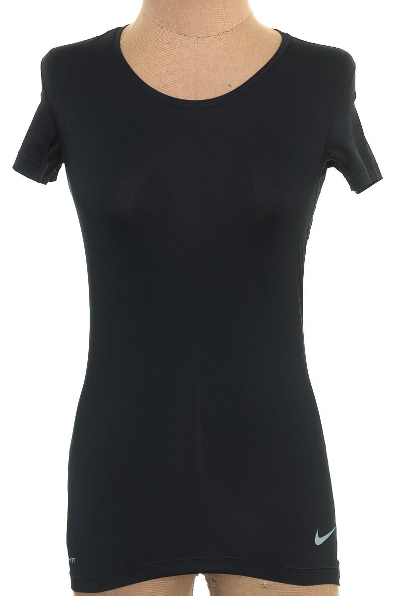 Ropa Deportiva / Salida de Baño Camiseta color Negro - Nike