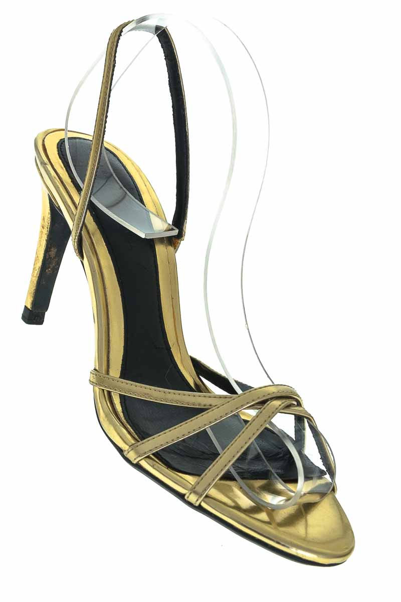 Zapatos color Dorado - Zara