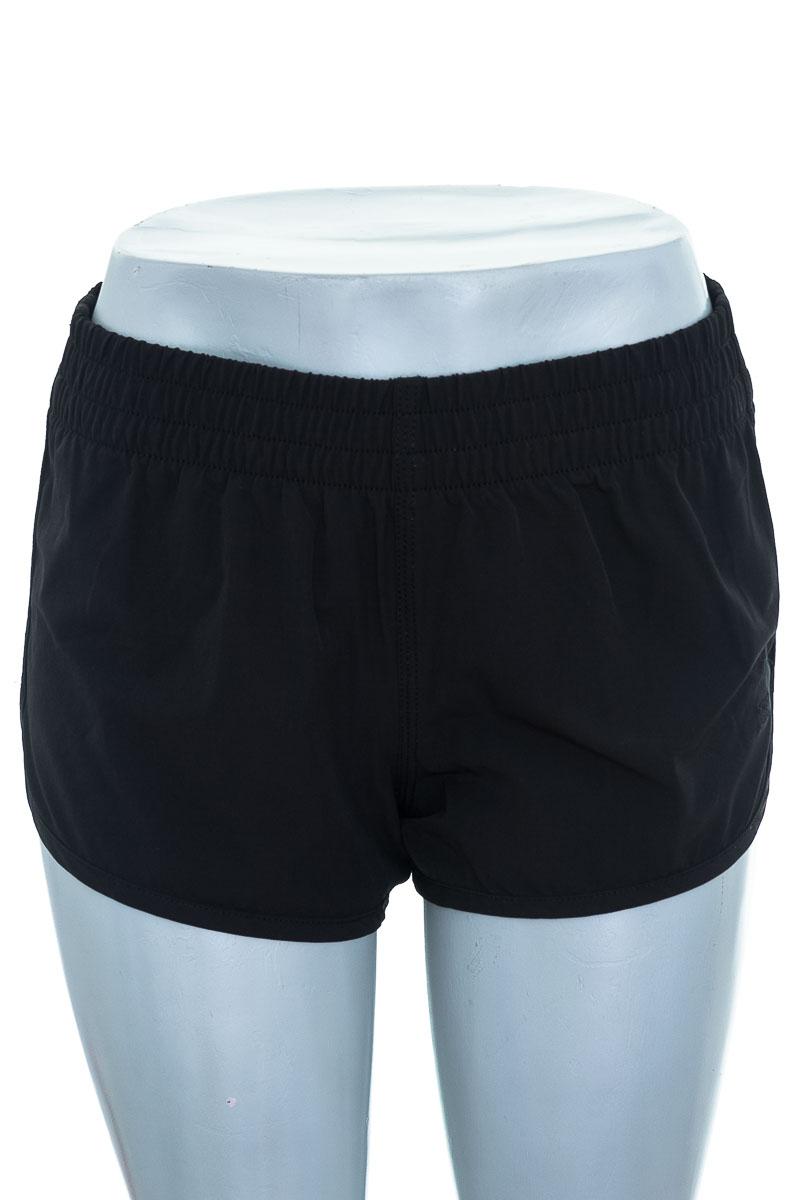 Ropa Deportiva / Salida de Baño Short Deportivo color Negro - Billabong