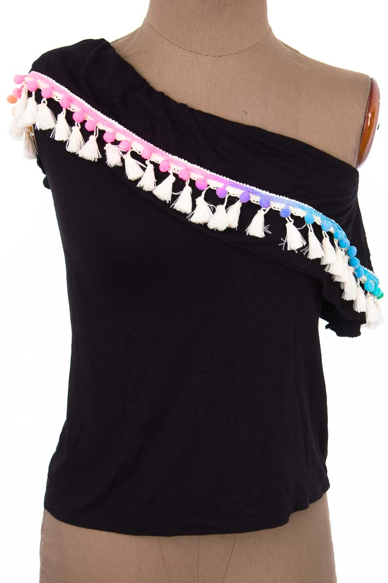 Top / Camiseta color Negro - Magia Latina
