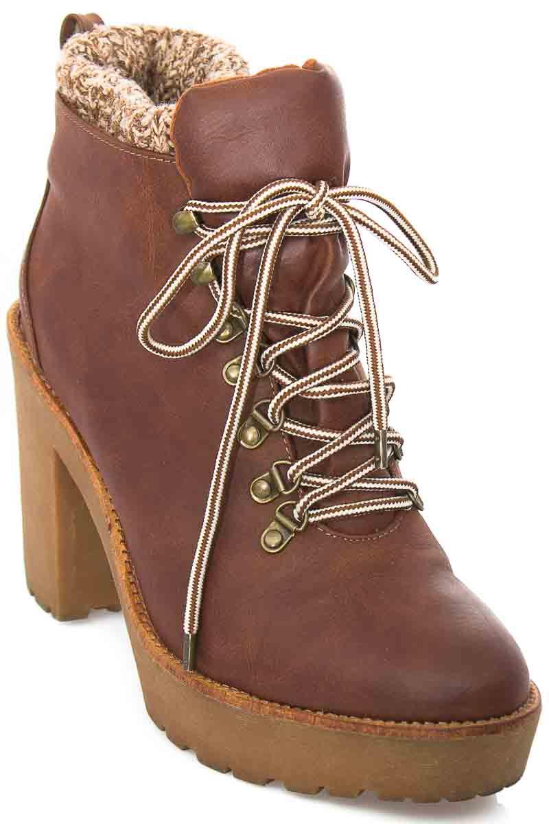 Zapatos Botín color Café - Bershka