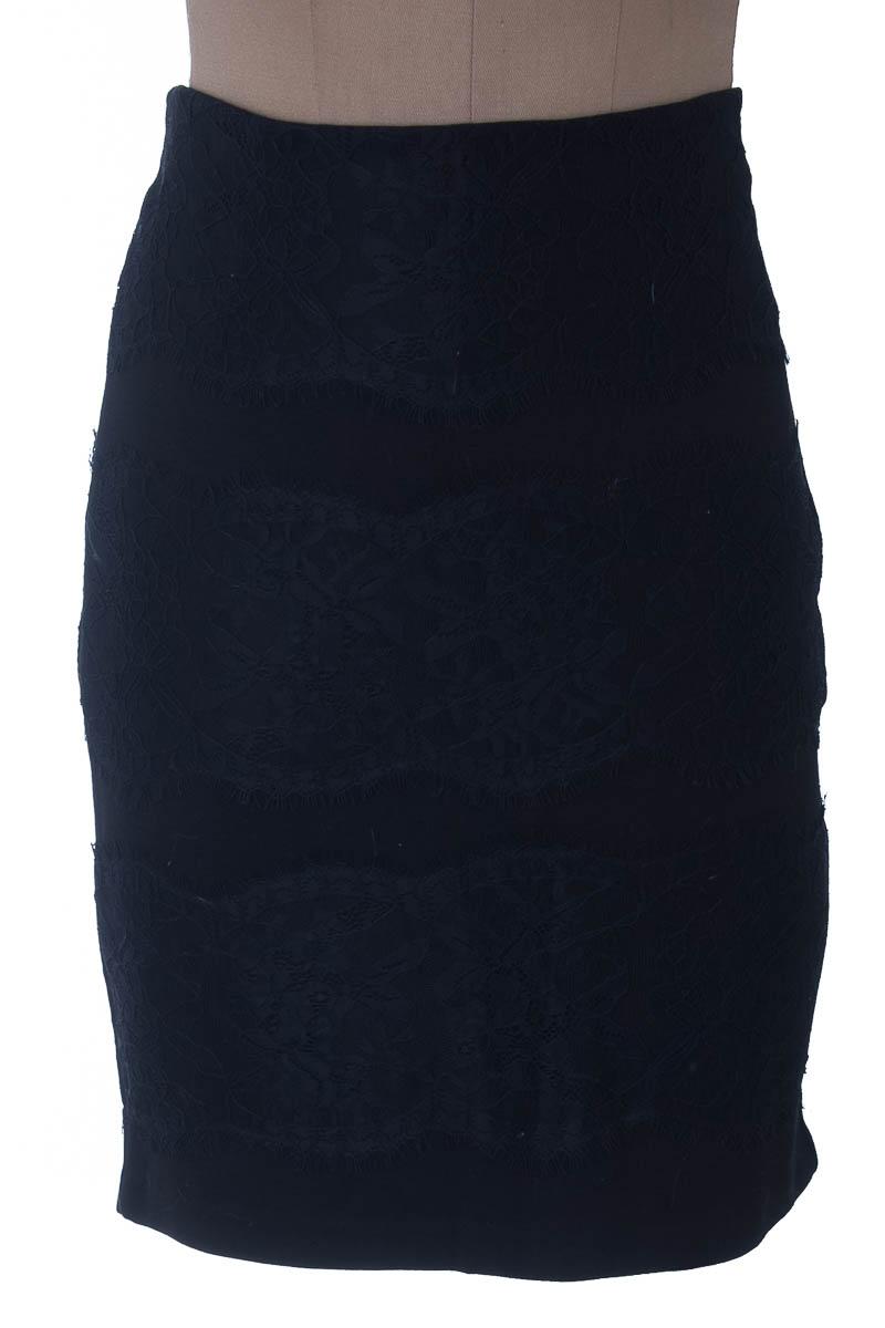 Falda Elegante color Negro - NAF NAF