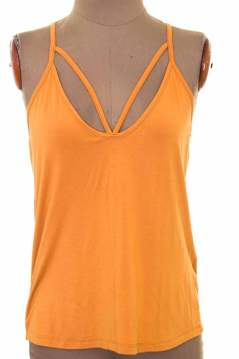 Top / Camiseta color Amarillo - TopMark