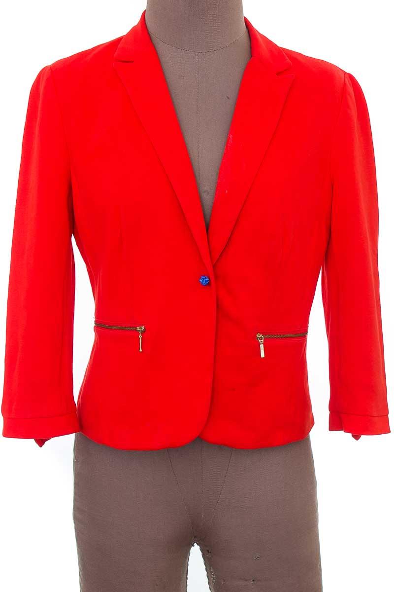 Chaqueta / Abrigo color Rojo - Zara