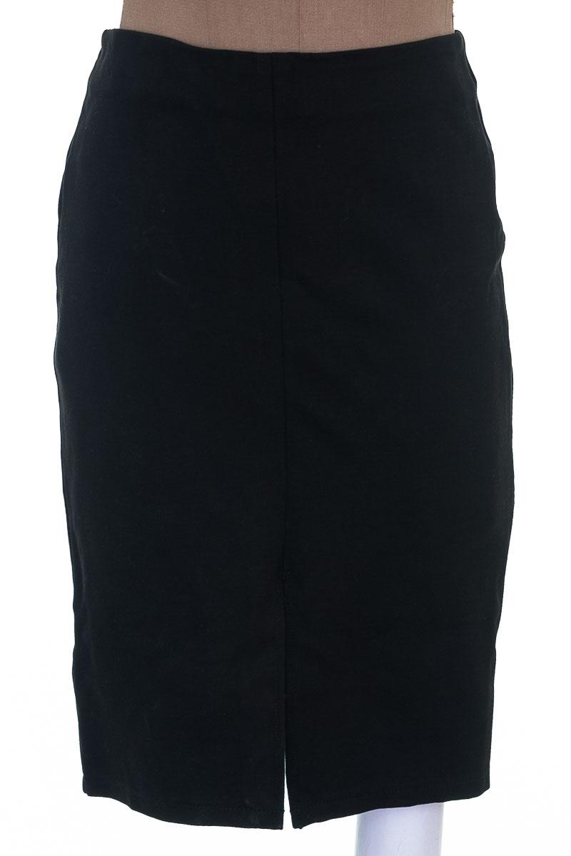 Falda Casual color Negro - MNG
