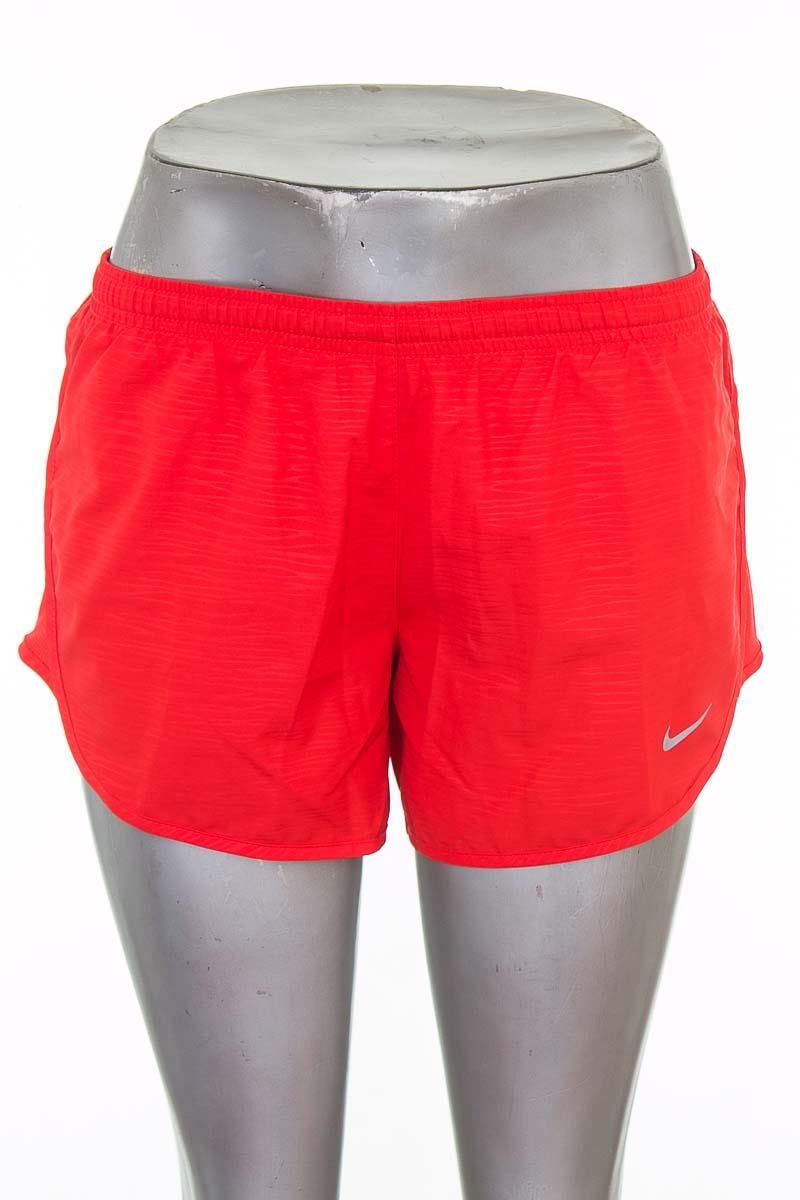 Ropa Deportiva / Salida de Baño Short Deportivo color Rojo - Nike
