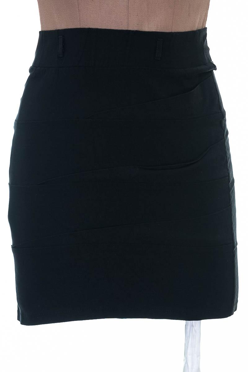 Falda Casual color Negro - Great Lana