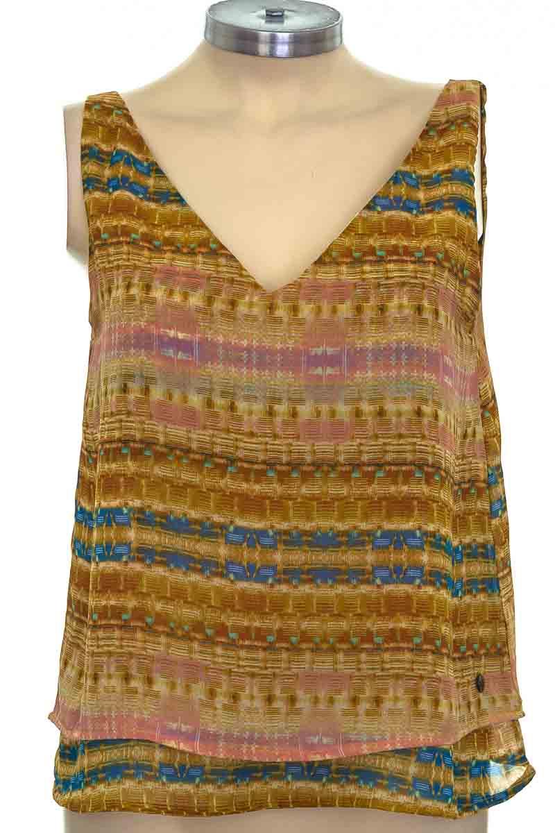 Top / Camiseta color Café - Elle