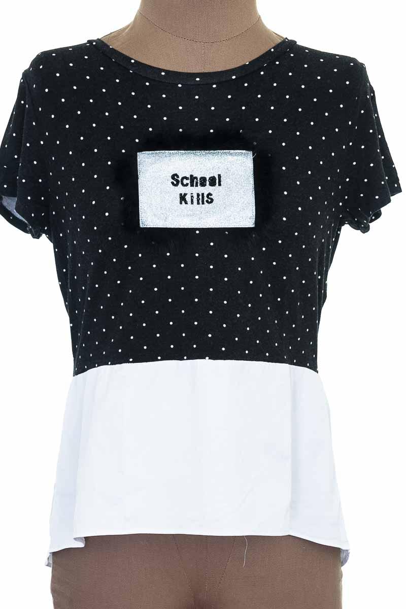 Top / Camiseta color Negro - ELA